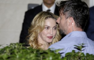 Madonna at the Hard Candy Fitness Centre, Rome - 21 August 2013 (9)