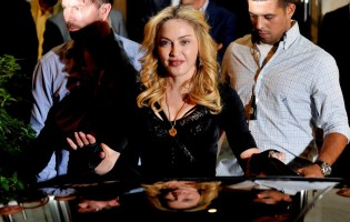 Madonna at the Hard Candy Fitness Centre, Rome - 21 August 2013 - Update 1 (4)