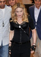 Madonna at the Hard Candy Fitness Centre, Rome - 21 August 2013 - Update 1 (6)