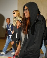 Madonna arrives at JFK airport in New York - 3 September 2013 (4)