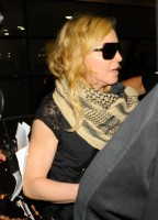 Madonna arrives at JFK airport in New York - 3 September 2013 (6)