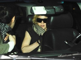 Madonna arrives at JFK airport in New York - 3 September 2013 (11)