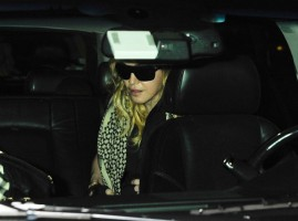 Madonna arrives at JFK airport in New York - 3 September 2013 (12)