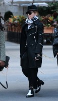 Madonna at the Kabbalah Centre in New York  - 12 October 2013  (1)