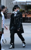 Madonna at the Kabbalah Centre in New York  - 12 October 2013  (3)