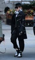 Madonna at the Kabbalah Centre in New York - 12 October 2013 (7)