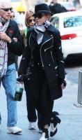 Madonna at the Kabbalah Centre in New York - 12 October 2013 (13)