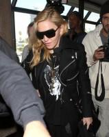 Madonna arrives at LAX airport, Los Angeles - 18 November 2013 (12)