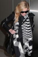 Madonna leaves JFK Airport, New York - 18 November 2013 (5)