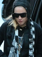 Madonna at the Kabbalah Center in New York - 23 November 2013 (2)