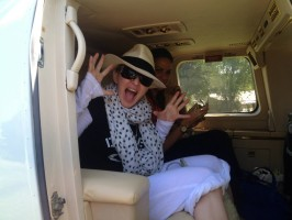 Madonna visits Ile à Vache with Sean Penn, Haiti - 26 November 2013 (3)