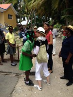 Madonna visits Ile à Vache with Sean Penn, Haiti - 26 November 2013 (6)