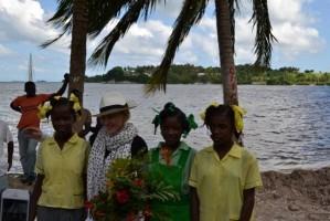 Madonna visits Ile à Vache with Sean Penn, Haiti - 26 November 2013 (12)