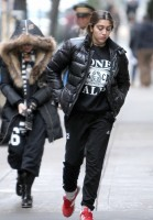 Madonna at the Kabbalah Centre, New York - 21 December 2013 (7)