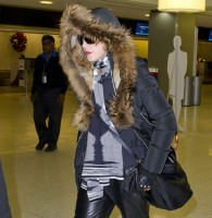 Madonna arrives at JFK Airport, New York - 23 December 2013 - Pictures (1)