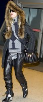 Madonna arrives at JFK Airport, New York - 23 December 2013 - Pictures (2)