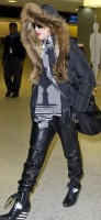 Madonna arrives at JFK Airport, New York - 23 December 2013 - Pictures (3)