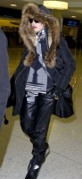 Madonna arrives at JFK Airport, New York - 23 December 2013 - Pictures (5)