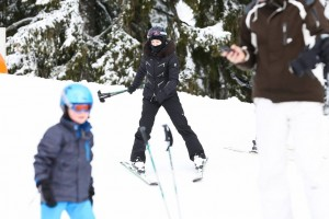 Madonna spotted skiing in Gstaad, Switzerland - December 2013 (3)