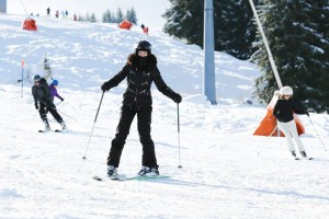 Madonna spotted skiing in Gstaad, Switzerland - December 2013 (5)