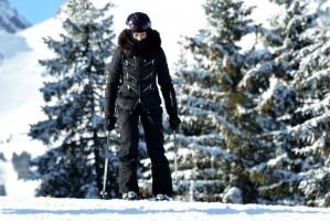 Madonna spotted skiing in Gstaad, Switzerland - December 2013 - Update 1 (6)
