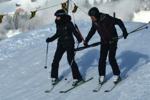 Madonna spotted skiing in Gstaad, Switzerland - December 2013 - Update 1 (9)