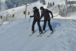 Madonna spotted skiing in Gstaad, Switzerland - December 2013 - Update 1 (11)