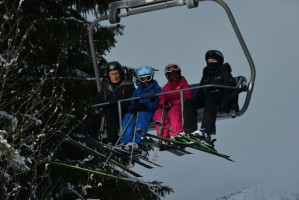 Madonna spotted skiing in Gstaad, Switzerland - December 2013 - Update 1 (14)
