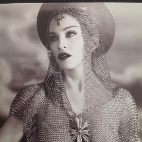 First look at Rebel Heart Booklet (2)