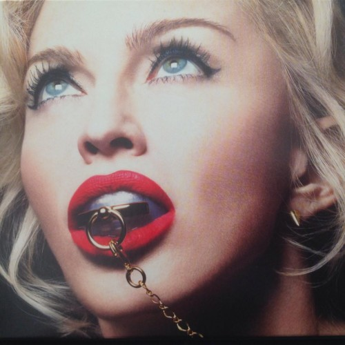 First look at Rebel Heart Booklet (5)