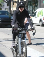 Madonna out and about in Los Angeles - 9 March 2014 (14)