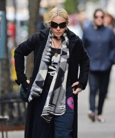 Madonna at the Kabbalah Center in New York - 22 March 2014 (4)