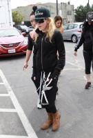 Madonna out and about in Los Angeles - 17 April 2014 (4)