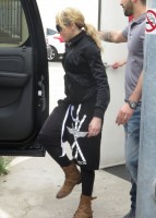Madonna out and about in Los Angeles - 17 April 2014 (21)