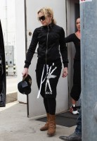 Madonna out and about in Los Angeles - 17 April 2014 (23)