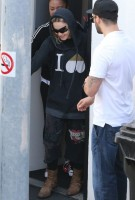 Madonna out and about in Los Angeles - 18 April 2014 (12)