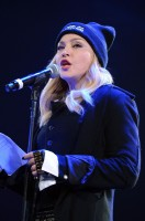 Madonna attends Amnesty International's Bringing Human Rights Home concert - 5 February 2014 (14)
