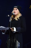 Madonna attends Amnesty International's Bringing Human Rights Home concert - 5 February 2014 (15)