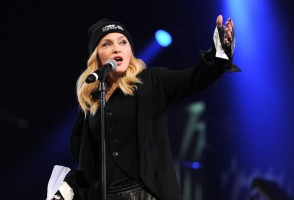 Madonna attends Amnesty International's Bringing Human Rights Home concert - 5 February 2014 (24)