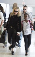 Madonna at JFK airport, New York - 28 June 2014 - Pictures (4)
