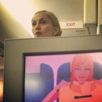 Madonna night flight New York to London (1)