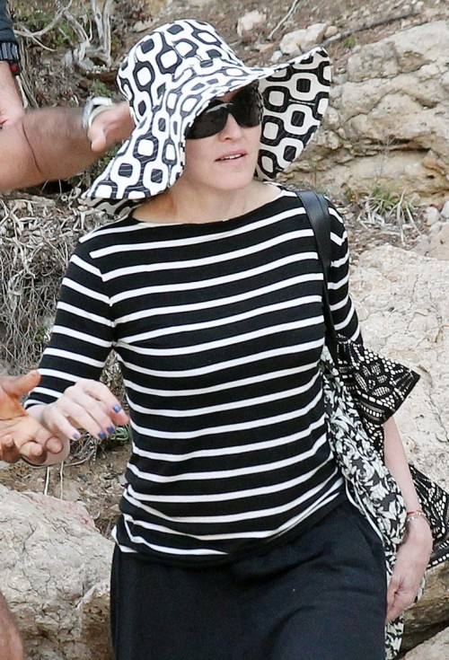 Madonna out and about in Ibiza - 20 August 2014 - Pictures (5)