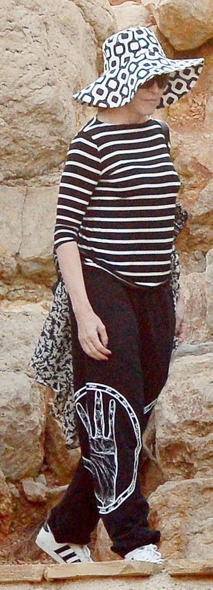 Madonna out and about in Ibiza - 20 August 2014 - Pictures (6)
