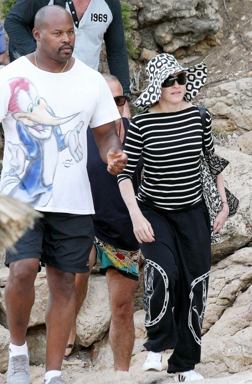 Madonna out and about in Ibiza - 20 August 2014 - Pictures (7)