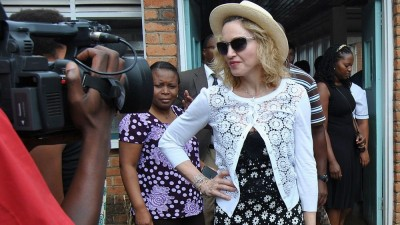 Madonna visits Queen Elizabeth Central Hospital in Blantyre, Malawi (2)