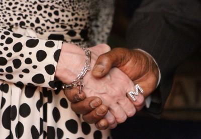 Madonna meets Malawi's president Peter Mutharika - 28 November 2014 (5)