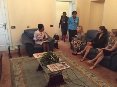 Madonna meets Malawi's president Peter Mutharika - 28 November 2014 (12)