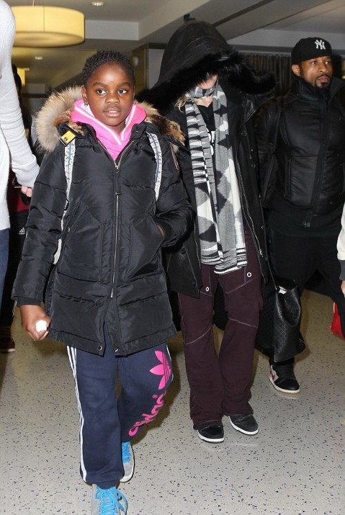 Madonna out and about in New York - 23 December 2014 (3)