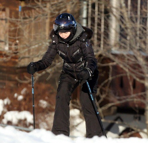Madonna spotted skiing in Gstaad, Switzerland - 2 January 2015 (1)