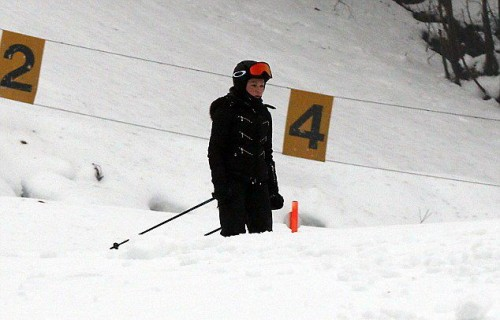 Madonna spotted skiing in Gstaad, Switzerland - 2 January 2015 (5)